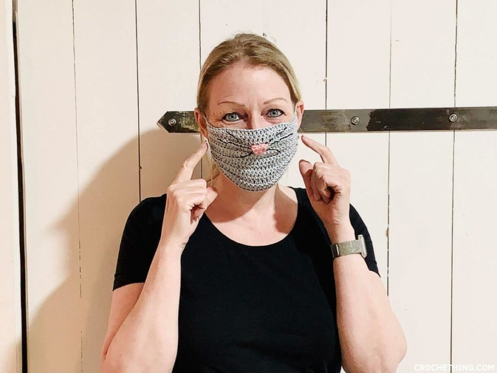 cat face mask - free crochet pattern including video