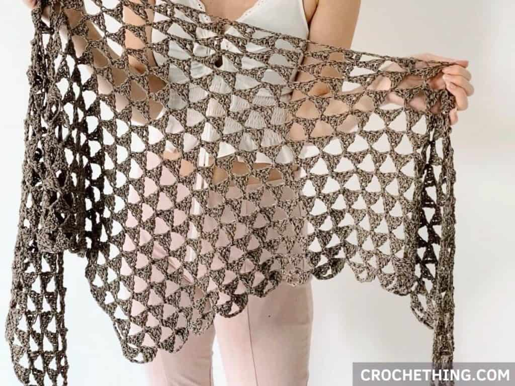 Tri Tra Triangle Shawl - free crochet pattern on crochething.com