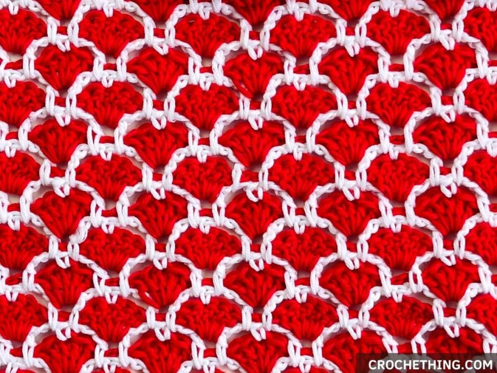 This image has an empty alt attribute; its file name is Triangle-Heart-Shawl2-1024x768.jpg
